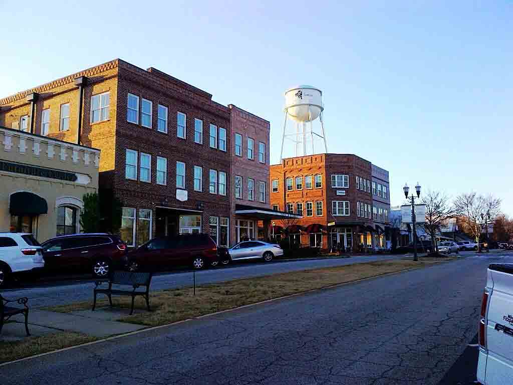 senoia women Senoia pictures: check out tripadvisor members' 1,612 candid photos and videos of landmarks, hotels, and attractions in senoia.